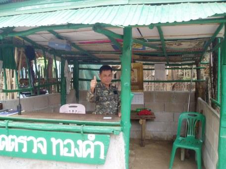 09 A Sentry Guard @ The Main Entrance to Mae La Camp 020418@1010.jpg