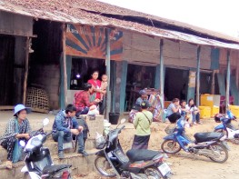 34 A Small Retail Commune 4 the Refugee Community Outside Mae La Camp 20180402@100415.jpg